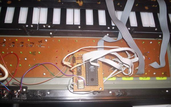 +5В на схему контроллера